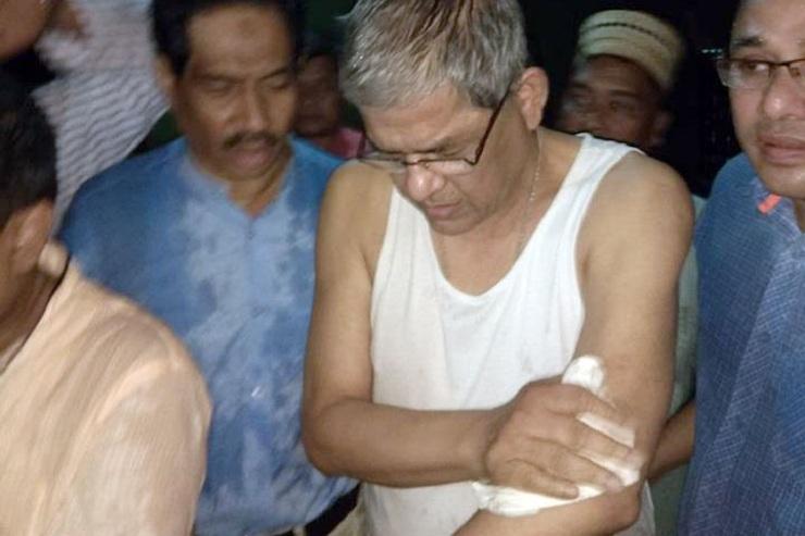 বিএনপির ত্রাণবহরে হামলা, মির্জা ফখরুল আহত
