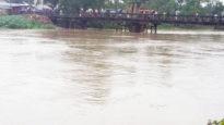 হবিগঞ্জের হাজার হাজার লোক নদীর পাড়ে, আশ্রয় কেন্দ্র ঘোষণা