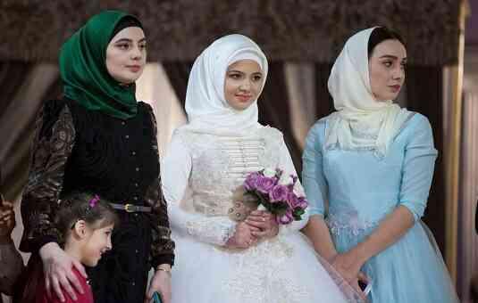 রাশিয়ান ৩ নারীর ইসলাম ধর্ম গ্রহণ