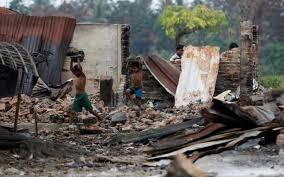 মিয়ানমারে রোহিঙ্গাদের গ্রামে হেলিকপ্টারে সেনাবাহিনরি গুলি : নিহত ২৫