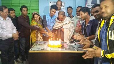 জগন্নাথপুরে ছাত্রলীগ নেতা কামরানের জন্মদিনে কেক কাটলেন জননেতা সিদ্দীক আহমদ