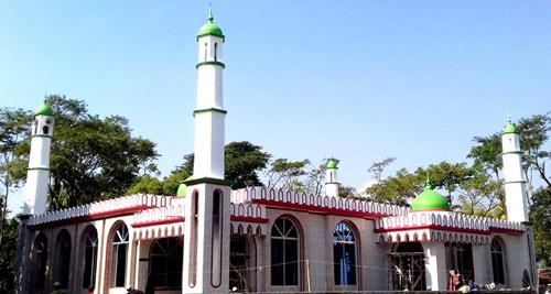 সিলেটের সর্ববৃহৎ মসজিদ জাফলংয়ে