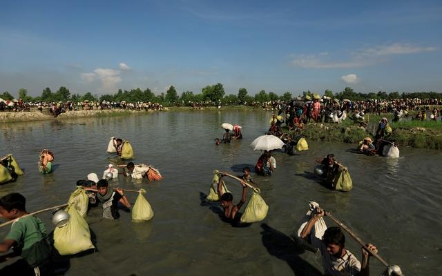 বাংলাদেশ সীমান্তে রোহিঙ্গাদের ঢল থামছে না