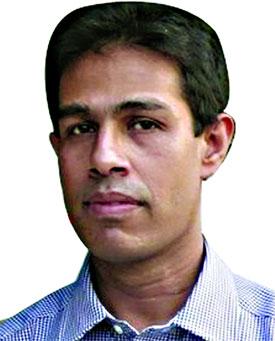 সাংবাদিক মনির হায়দারের পাসপোর্ট নবায়ন কেন নয়- বাংলাদেশ হাইকোর্ট