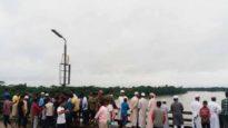 কুমাগাঁও ব্রীজে ভিডিও করতে গিয়ে নদীতে পড়ে যুবক নিখোঁজ