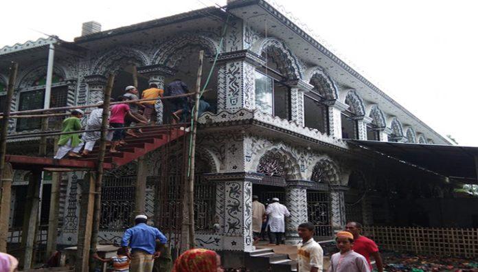 এবার বাংলাদেশে ঢুকে মসজিদ নির্মাণে বাধা দিল বিএসএফ