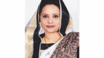 মহিলা এম'পির হয়ে পরীক্ষা দিচ্ছেন ৮ ভাড়াটে ছাত্রী! (ভিডিওসহ)