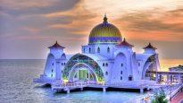 আটলান্টিকের বুকে মসজিদ নির্মাণ করল বাংলাদেশিরা