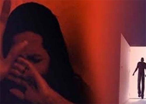 টিকটক ভিডিও তৈরির কথা বলে স্কুলছাত্রীকে গণধর্ষণ