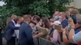 নিজের দেশেই থাপ্পড় খেলেন ফরাসি প্রেসিডেন্ট ইমানুয়েল ম্যাক্রন