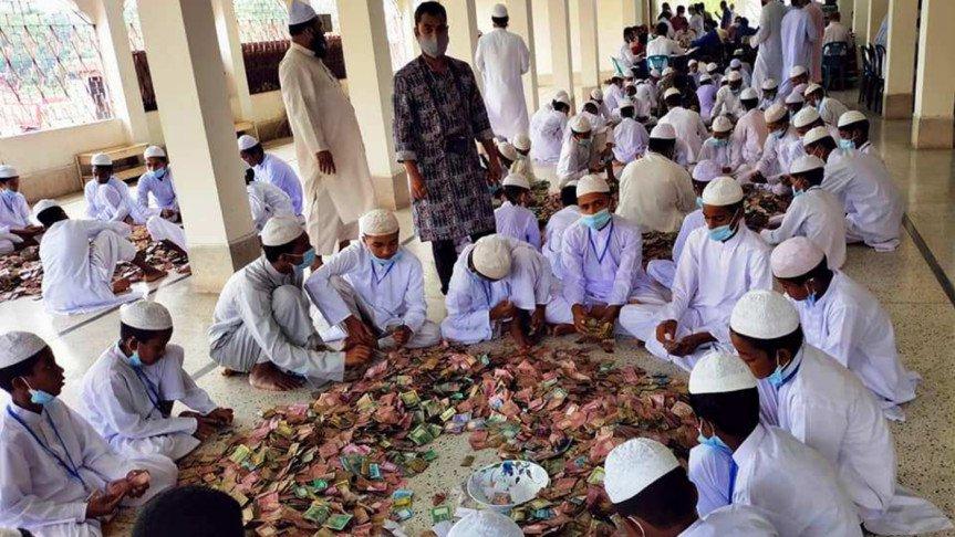 পাগলা মসজিদের দানসিন্দুকে মিলল ২ কোটি ৩৩ লাখ টাকা